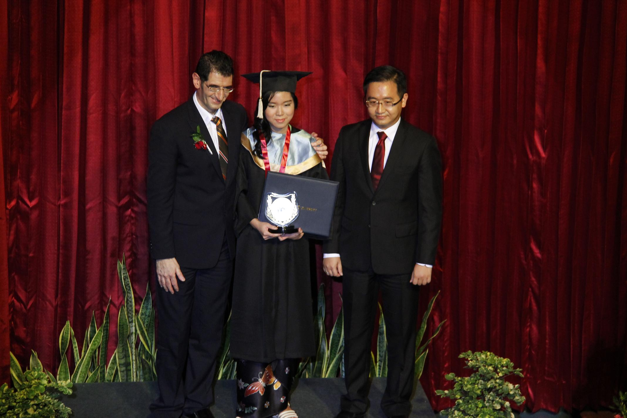 BINUS INTERNATIONAL SCHOOL SIMPRUG GRADUATION DAY